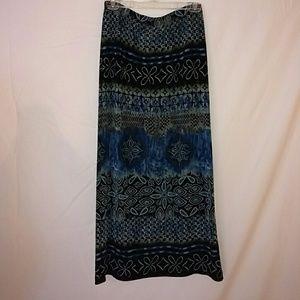 Travel knit ethnic pattern skirt